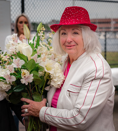 Yvonne Balsamo receives flowers in honor of late husband, Sal
