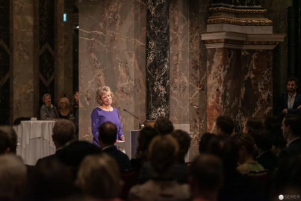 """Ausstellungseröffnung """"Spitzmaus Mummy in a Coffin and other Treasures"""" von Wes Anderson and Juman Malouf im Kunsthistorischen Museum Wien"""