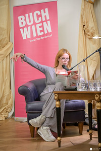 Esther Schweins auf der Buch Wien 2018