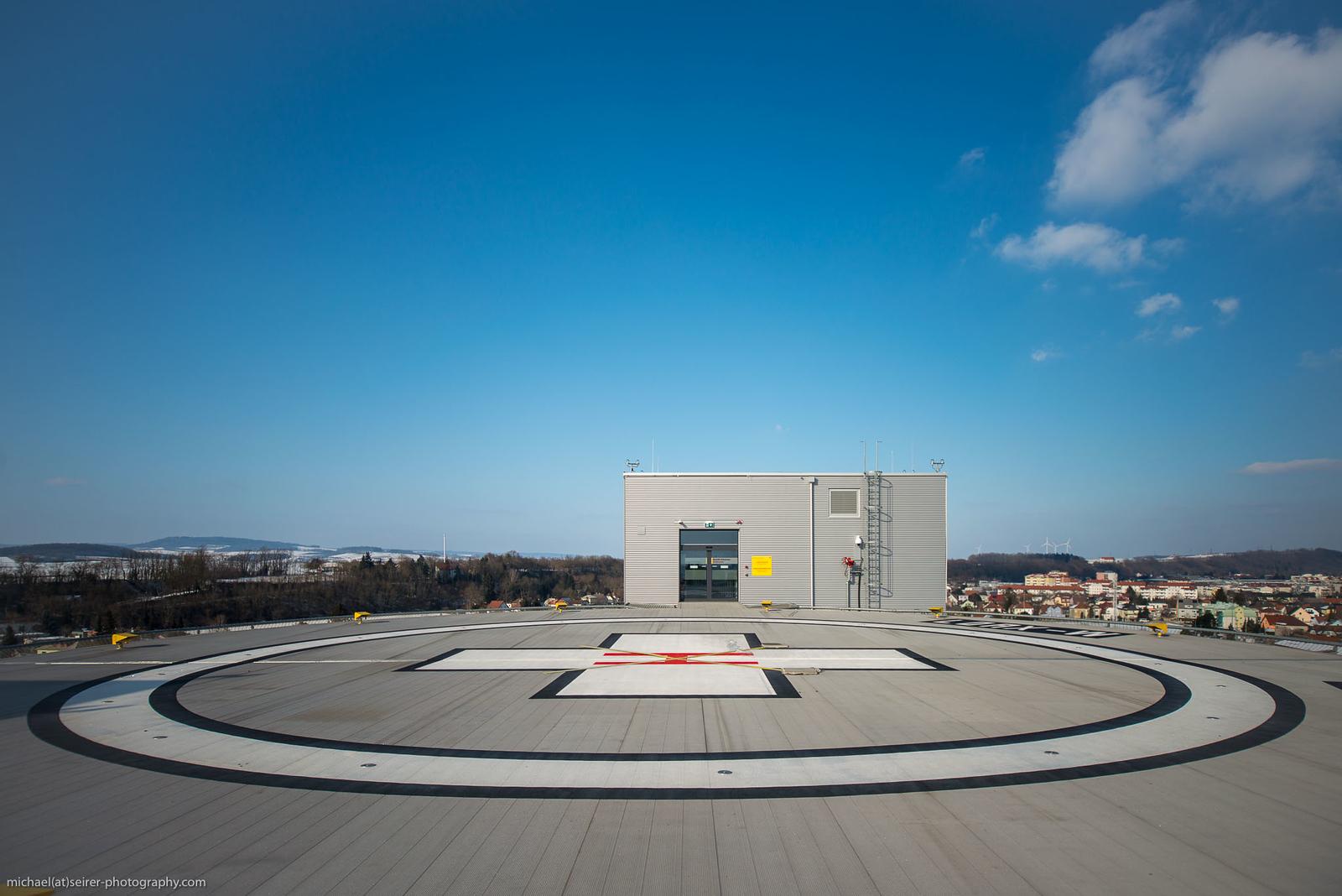 Der neue Heliport auf dem Dach von Haus C der Universitätsklinik St. Pölten vor der Eröffnung