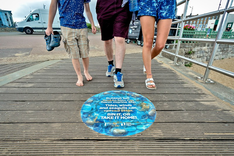 Keep Britain Tidy:  Bin It Or Take It Home Campaign at Margate Main Sands