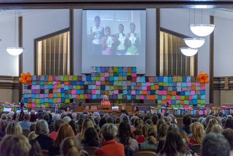 2me302-2019-03-02 Mormon Newsroom -Days for Girls -8437