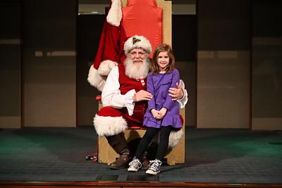 2019-12-04 Wells Fargo Santa Event0569