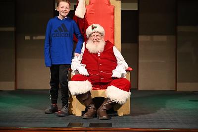 2019-12-04 Wells Fargo Santa Event0588