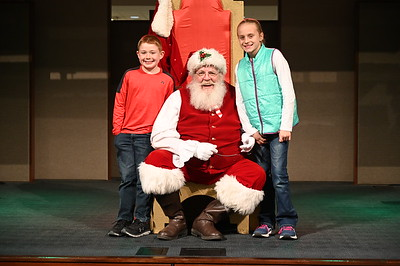 2019-12-04 Wells Fargo Santa Event0578
