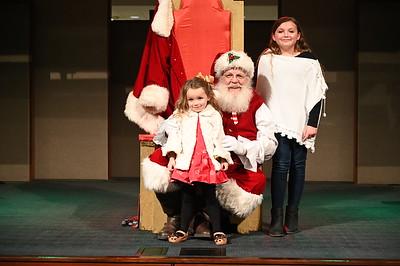 2019-12-04 Wells Fargo Santa Event0579