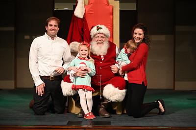 2019-12-04 Wells Fargo Santa Event0573