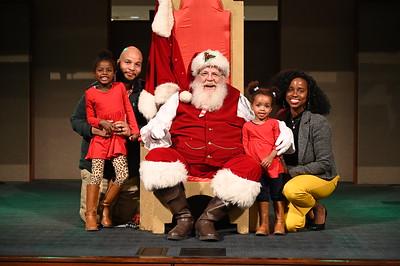 2019-12-04 Wells Fargo Santa Event0584
