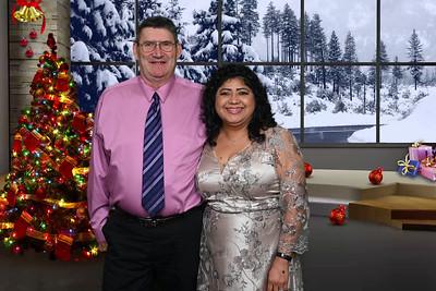 2019-12-07 Oiles Christmas Party0010christmas-snowy-window