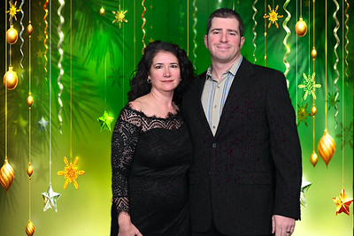 2019-12-13 CHS Holiday Greenscreen Party0105christmas-green-falling-stars