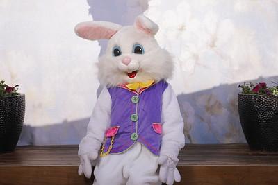 Santana Row Easter Bunny