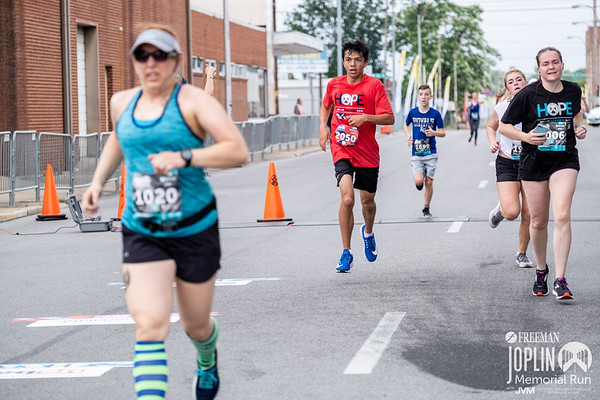On May 17-18 runners gathered for the Joplin Memorial Run to remember the lives lost during the tragic tornado of 2011. It kicked off on Friday with the running expo, with a 1 mile fun run and walk of silence in the evening. Saturday morning the runners gathered at Memorial Hall for the big event, running through the city for 3 distance options of a 5k, 10k, or the half marathon.