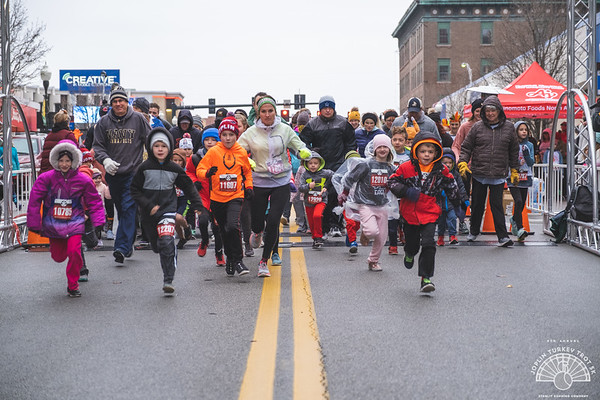It was cold and rain Thanksgiving day in Joplin, but that didn't stop runners from showing up to run the 1 mile fun run or 5k Joplin Turkey Trot.