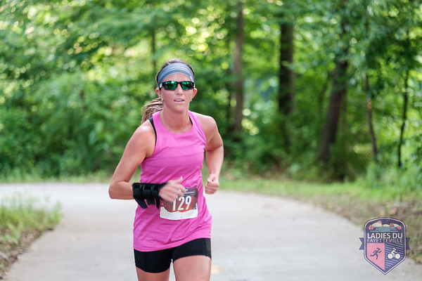 Sunday morning lady athletes gathered at Lake Fayetteville for the 4th Annual Ladies DU as part of the Fayetteville Race Series. Starting with a 2 mile run, followed by an 11 mile ride and another 2 mile run the ladies conquered the course as either a relay team or individual.