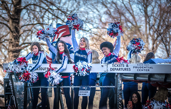 Pats cheerleaders in the rolling rally