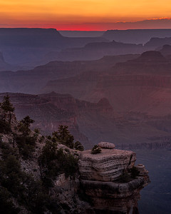 Light and shadows at the Grand Canyon's South Rim