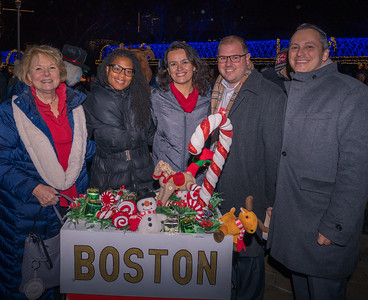 (L-R) FOCCP President Joanne Hayes-Rines, Councilor Lydia Edwards, Councilor Annissa Essaibi George, Parks Commissioner Ryan Woods and Rep. Aaron Michlewitz