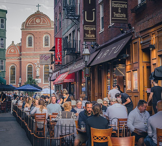Full scale restaurant dining in Boston's North End