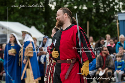 DS5_4441-12x18-06_2017-Ren_Faire-W