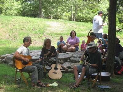 "Tom Allen, Joanne Doherty & Charlie Cover played in our ""natural amphitheater"""