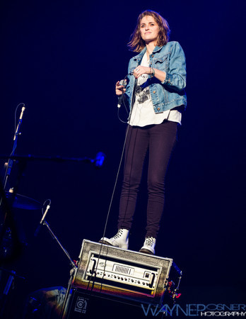 Dead Sara performs at the Vegas Rocks Award Show