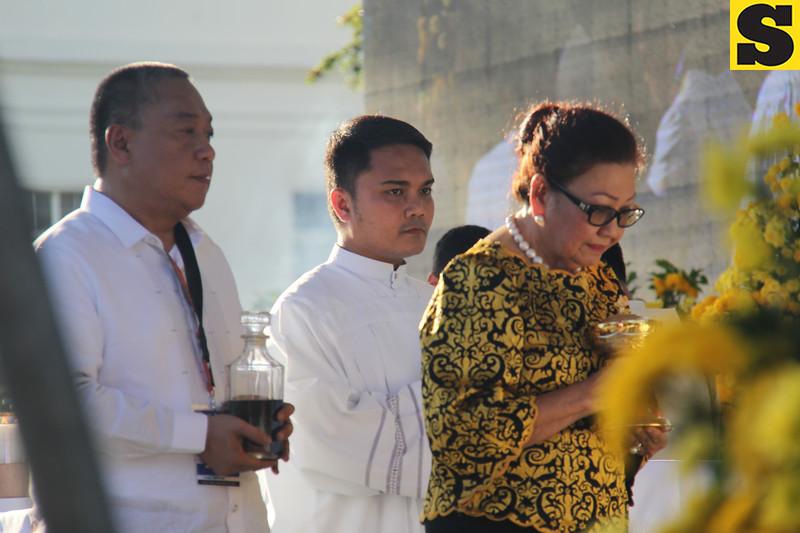Cebu Governor Hilario Davide and Vice Governor Agnes Magpale during the IEC Capitol mass offertory
