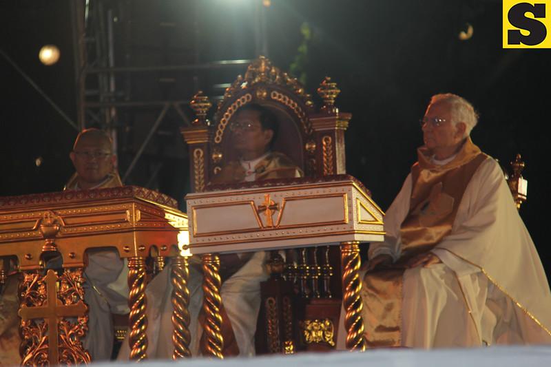 Cebu Archbishop Jose Palma, Papal legate Charles Maung Cardinal Bo, and Archbishop Piero Marini during IEC Benediction at Plaza Independencia