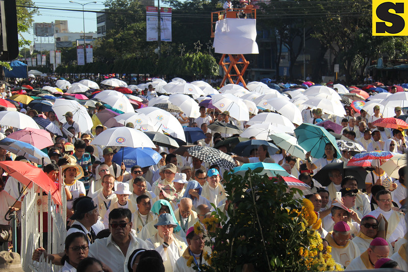 Sea of people and umbrellas during the IEC Capitol Mass