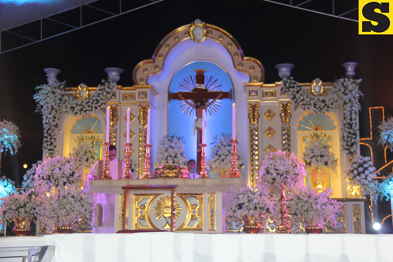 Altar at Plaza Independencia during IEC Benediction