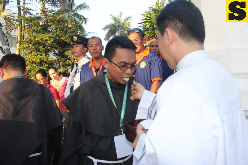 Holy Communion during IEC Capitol Mass