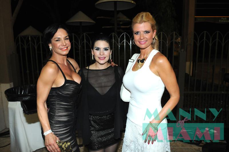 Liz Vega, Maria Raquenel, Sissi