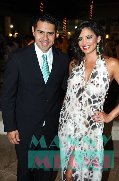 Cesar Conde, Pamela Silva-Conde