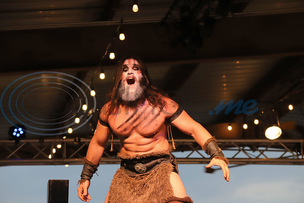 """Hunter Grey of the """"Pillars of Destiny""""  commands the attention of the crowd at Brawl at the Brewery at True Vine Brewing Company. Sarah Perez/Freelance"""