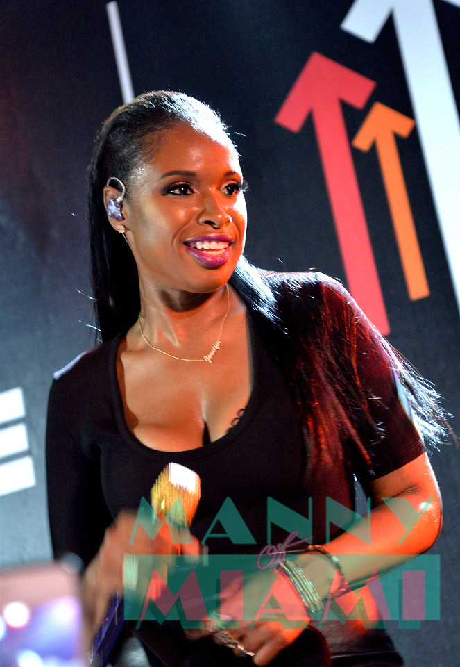MIAMI BEACH, FL - JULY 08: Jennifer Hudson performs at SU2C at The Masterpass House at the W South Beach on July 8, 2017 in Miami Beach, Florida. (Photo by Manny Hernandez)