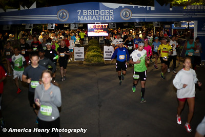 7 Bridges Marathon WEB 10 19 14 (211 of 326)