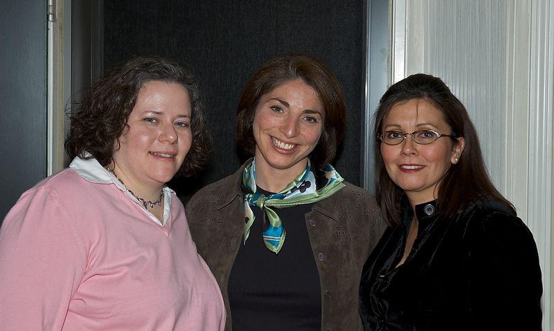 <b>Sarah, Rozanne and Walkie</b>   (Oct 08, 2005, 08:32pm)