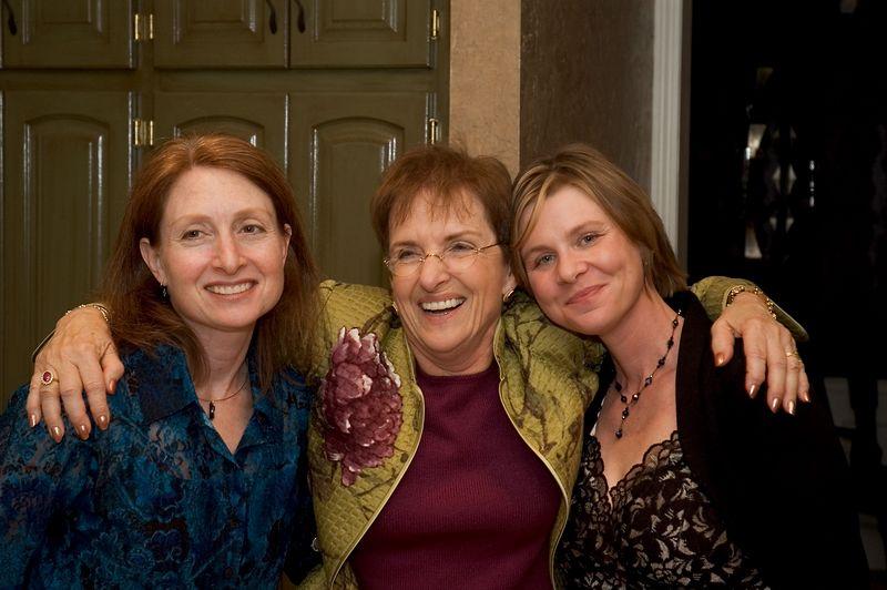 <b>Karen, Donna and Erin</b>   (Oct 08, 2005, 09:50pm)