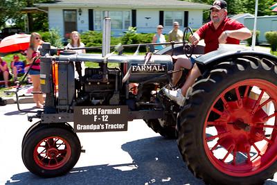 Iowa parade checklist: Tractor: check!