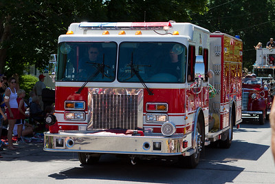 I think the fire department had some of the best detailed vehicles on the parade.