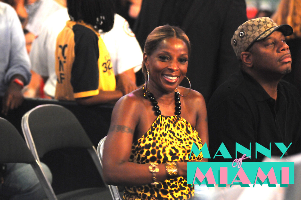 MIAMI, FL-- August 31, 2012-- Mary J Blige attends at American Airlines Arena as part of the Jennifer Lopez and Enrique Iglesias tour. (Photo by Manny Hernandez)