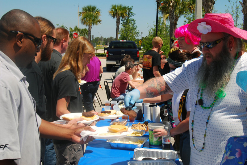 005 Appreciated Employees Receiving Lunch