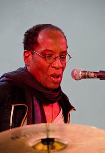 Stan Kipper: percussion & vocals