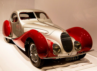 Front view of the Talbot-Lago T150C-SS Teardrop Coupe