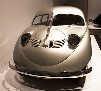 Stout Scarab, front view