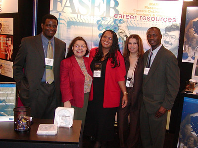 Jacquie and Cheryl pose with Dr. Abu Shakra and her students at ABRCSM 2004.