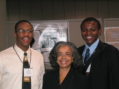 Dr. Sandra Murray and University of Pittsburgh students.