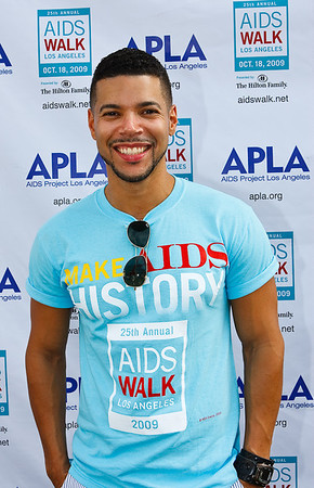 Wilson Cruz (He's Just Not that in to You)