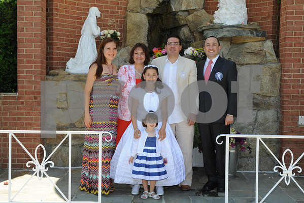 5/20/12 Bethesda, Md.  Our Lady of Lourdes spanish First Communion photos by:  Christy Bowe - ImageCatcher News