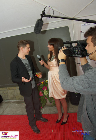 Jillian Rabe interviewing Jason Kennedy before MC'ing the Amy Roloff Charity Auction