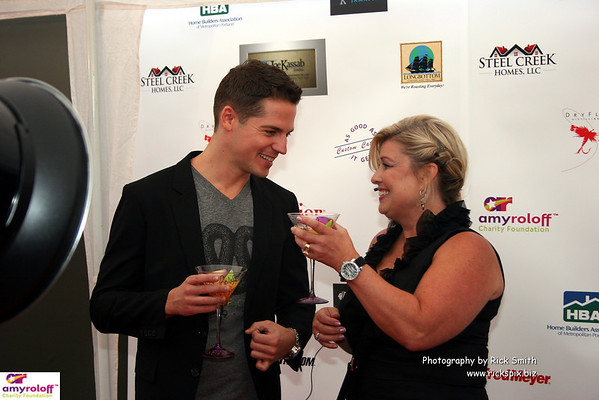 A thank you toast from Lisa Dixon to E! personality Jason Kennedy
